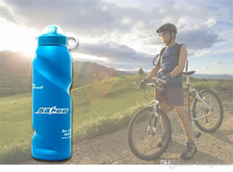 kit de viaje botella de plástico Rebajas Botella Bebida deporte al aire libre 700ml de la bicicleta suave de plástico de agua Ciclismo Hervidor prensa de la mano de bebida Senderismo Kit de viaje 5 3JQ