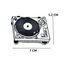 Music record player bordado remendos tecido costurar ferro em applique reparação diy emblema patch para crianças roupas jaqueta saco de vestuário de Fornecedores de cartoon emoji roupas