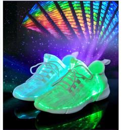 Chaussures coréennes taille en Ligne-2019 nouvelles chaussures légères mode chaussures coréennes pour enfants des chaussures USB chargeant des chaussures de sport 3 couleurs + taille 26 ~ 46