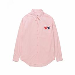 Abrigos de polo azul online-Camisa polo para hombre JUEGO COMES JUGUETE Camisa japonesa con corazón Des Garcons Off Hombres Mujeres Camisa de algodón a cuadros azul blanco CDG HOLIDAY Camisas Vetements Abrigos