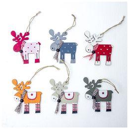 Niños adornos de juguete de navidad online-Originalidad Forma de ciervo Adornos Coloreados de madera Colgantes de alces para colgar Decoraciones para árboles de Navidad Juguete para niños 1 8xb E1