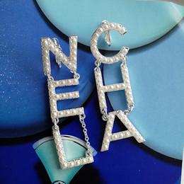 großhandel kunststoff kronleuchter Rabatt Farbige Perlenohrringe farbige Diamanten Designerohrringe Luxus Designer Schmuck Damen Ohrringe Quaste Ohrring Designer Schmuck