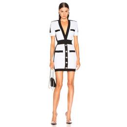 berühmtheit rayon kleider Rabatt Großhandel 2019 Neueste Mode Promi Party Bodycon Verbandkleid Frauen Kurzarm Tiefem V-ausschnitt Sexy Night Out Club Kleid