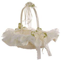 Canasta de flores de novia online-La novia de encaje niña de las flores para la ceremonia de la boda de la decoración del partido (blanco como la leche) Flor de boda del cordón de la cesta Cesta para la novia
