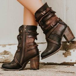Botas de mujer estilo punk online-Adisputent Fashion Punk Gothic Style Hebilla Correa Botas de punta redonda Zapatos de mujer Botas con cremallera Street haulage motor mujer zapatos