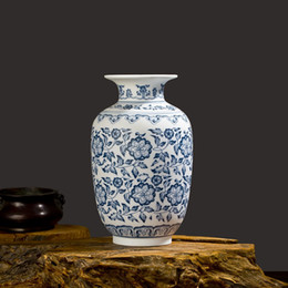 Diseño de jarrón hecho a mano online-Azul y blanco de porcelana que entrelaza Lotus Diseño Flor florero de cerámica hechos a mano decoración del hogar Jingdezhen floreros