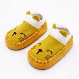 Niños zapatos de lona de dibujos animados online-2019 más nuevo 0-24 M Unisex Baby Boy Girl zapatos recién nacido Slip-On 2T 1T primeros caminantes niños zapatos de algodón de dibujos animados de lona