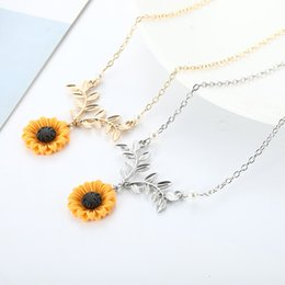 copper clothing Coupons - Sunflower Pendant Necklace For Women Creative Imitation Pearls Jewelry Necklace Clothes Accessories drop shipping