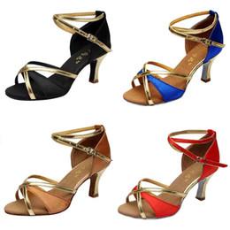 a8632ac504 Sapatos Venda Quente Menina de Dança Latina Med-saltos de Cetim Sexy Salto  Alto Sandálias Mulheres Partido Tango Salsa Dança 10