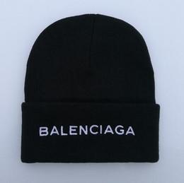 2019 punto negro sombrero estrella roja lana al por mayor de Blingbling Beaines mal día de cabello Breaking sombreros hiphop sombreros coreanos hombres y mujeres de punto