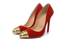 Canada Tour du monde designer femme luxe nouveau sexy chaussures chaussures en cuir mat orteil ongles mis pied rivet stiletto chaussures femmes 34-42 gros Offre