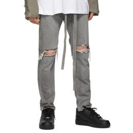 justin ceintures Promotion Justin Bieber Jean slim ceinturé en gris pour hommes Fermeture à la cheville Trous pour les genoux Biker Jeans Streetwear