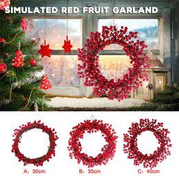 2020 grinaldas de frutas Natal Big Pine Cone Grinalda Handmade Red Fruit Natal Berry Red Fruit Pendant Artificial para Wall porta pendurado Decoração grinaldas de frutas barato
