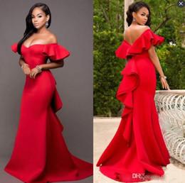 Abiti da ballo sexy africani Plain Red Off spalla Satin Mermaid Party Dress Abiti formali increspato Sweep treno abiti da sera formale supplier plain evening gowns da abiti da sera chiari fornitori