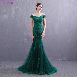 Moda verde esmeralda vestido on-line-Fotos reais Verde Esmeralda Vestidos de Noite Pequeno V Neck Cap Mangas Moda Lace Applique Botões Voltar Tule Sereia vestido de Noite