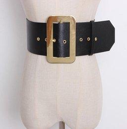 2019 cinturón de corsé de oro Moda de pasarela para mujer Hebilla dorada Cuero de PU Cummerbunds Vestido femenino Corsés Cintura Cinturones Decoración Cinturón ancho R1410 cinturón de corsé de oro baratos
