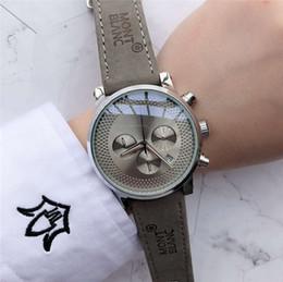 relojes de madera hechos a mano Rebajas 42mm reloj mujer blanc la moda nuevo reloj de acero llena los hombres sencilla Mont diseñador del vestido de lujo para hombre relojes de cuero del oro Reloj Reloj de lujo