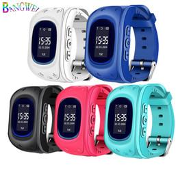 Bangwei 2018 Новые детские часы Sos Security Loss Prevention Kid Lbs Смарт-часы Удаленный мониторинг SmartWatch Relogio Infantil J190524 от Поставщики кабельные разъемы
