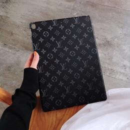 Tableta pulgada atrás online-Diseñador de lujo Funda Ipad para Ipad mini 1 2 3 Funda de rejilla de la vendimia Cubierta de la tableta de cuero de la PU para Ipad Air 10.5 Inch Pro 12.9 Pulgadas Cubierta posterior