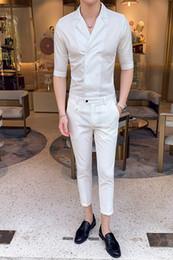 mezzo pantaloni bianchi neri Sconti Set da uomo 2019 Primavera Estate Nuovo arrivo Moda Smart Casual Shirt + Pants Solid mezza manica caviglia Bianco Nero Set Mens