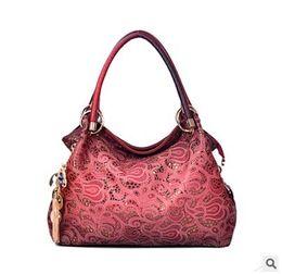 синий цветочный сумка Скидка  women bag hollow out ombre handbag floral print shoulder bags ladies pu leather tote bag red/gray/blue PEOPLE MONTAIN