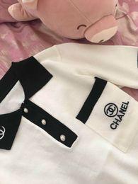 Tricô de seda on-line-Elegante Verão Nova Moda Feminina S Manga Curta Cor Bloco Carta Bordado Turn Down Collar Ice Silk Camisola de Malha Tops camisa
