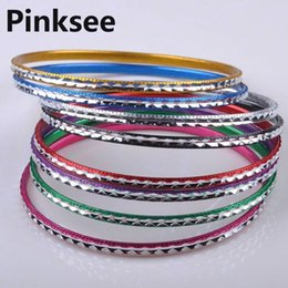 Argentina 20 unids Hot Women Dance Loop Bracelet Thin Bangle Aleación de aluminio cromático Craved Bangle Bracelet 6.5MM nave de la gota al por mayor cheap wholesale aluminum bracelets Suministro