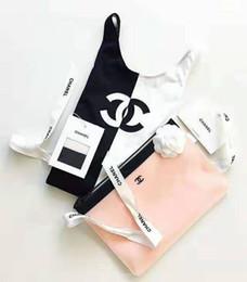 Si adatta al colore bianco online-Lettere da bagno di lusso da donna, un pezzo, lettere, ricami, colori bianco e nero, costumi da bagno, da donna, dal design aderente
