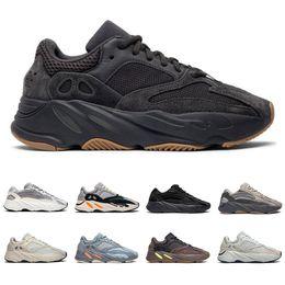 2019 nova moda esporte sapatos mulheres 2019 New yeezy boost 700 v2 homens mulheres running shoes Utilitário Preto Vanta Tephra Analog Geode Inércia Mauve mens formadores moda sports sneakers nova moda esporte sapatos mulheres barato