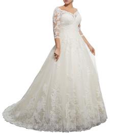 2019 vestidos brancos de mão cheia Impressionante Lace Plus Size Vestidos de Casamento de Inverno com 3/4 de Manga Longa V Neck Apliques Personalizados Árabe Vestido de Noiva Formal