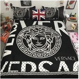 2020 conjuntos de cama de luxo estilo europeu Casa de luxo cama Set 4pcs padrão clássico confortável estilo Europeu do sono da família cama fornecimentos suprimentos AA12058 conjuntos de cama de luxo estilo europeu barato