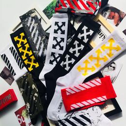 2019 gold cup socken Europäische und amerikanische Street Hip Hop Skateboard Strümpfe Tide Brand Rap Fashion Socks Eine Vielzahl von Farben Athletic Stockings