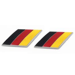 Audi tedesco online-1pair 3D Metallo Bandiera Tedesca Car Side Side Parafango Posteriore Emblema Distintivo per Volkswagen Audi Bmw Mercedes Benz Porsche adesivi
