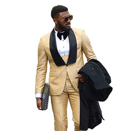 New Style Groomsmen Xaile Black Lapel Noivo Smoking Champagne Men Ternos de Casamento / Prom / Jantar Melhor Homem Blazer (Jacket + Pants + Tie + Vest) A1034 de