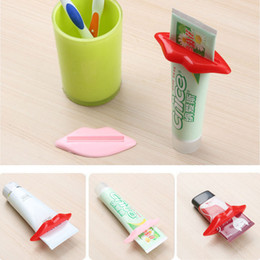 hot sexy kisses Promo Codes - Wholesale Multifunction Toothpaste Squeezer Sexy Hot Lip Kiss Bathroom Tube Dispenser Squeezer Home Tube Rolling Holder Squeezer DBC DH0710