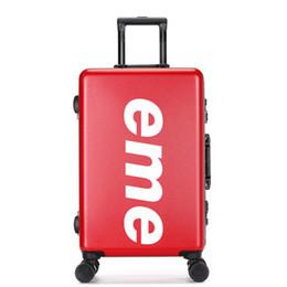 Canada CARRYLOVE personnalisation personnalisée 20/22/26 pouce PVC + PC haute qualité Rolling Luggage Spinner marque valise de voyage cheap personalized suitcases Offre