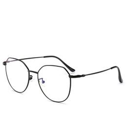 Dior 9038 Kazınmış Mevcut Ahşap Güneş Tasarımcı Doğal Bambu Sunglass Gözlük Gözlük Stil El Yapımı Ahşap Tapınak Plastik Çerçeve 8 Renk cheap wood made glasses nereden ahşap yapılmış camlar tedarikçiler