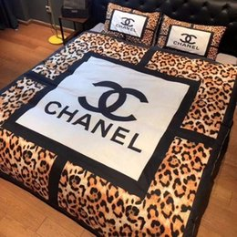 conjunto de cama de borboleta Desconto Têxteis para o lar de luxo colcha fronha define quente macio de veludo De Cristal clássico algodão Set para muitos tamanho cama 4 pçs / set HT19