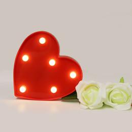 Lámpara de mesa roja online-3D Cute Red Heart LED Wall Night Lights Marquee Light Decoración para el hogar Luminaria Wall Table Desk Desk Light