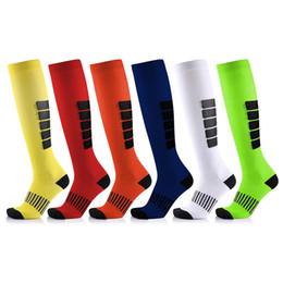 2020 meias varicosas 10 pares New Arrival antifadiga Unisex Meias de compressão Medical varizes Leg alívio da dor no joelho Meias Altas meias varicosas barato