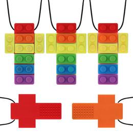 Cruces de arcoiris online-Bebé Mordedor de silicona de ladrillo color del arco iris colgante cruz collar suaves chupete Chupetes de mascar Chewlery Niños Juguetes regalos M1138