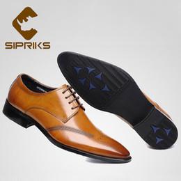 Vestido de caballero online-Sipriks Marrón Claro Zapatos de vestir para hombre Primavera Genuino de cuero Formal Zapatos de esmoquin para hombre Traje de hombre de negocios Offcie boda Euro 44