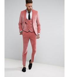 Fotos de vestido rosa online-Custom Pink Velvet Trajes para hombre 3 fotos Moda invierno Novio vestido de novia Slim Fit Tuxedo Suit chaqueta + chaleco + pantalones