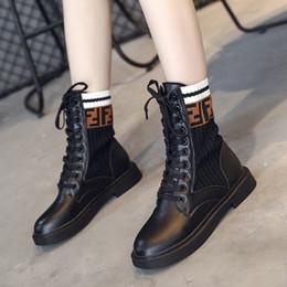 Cordones de zapatos gruesos online-2019 nueva manera cargadores ocasionales femeninos de punto botas transpirables de las mujeres cómodas de encaje grueso con zapatos de mujer de tubo