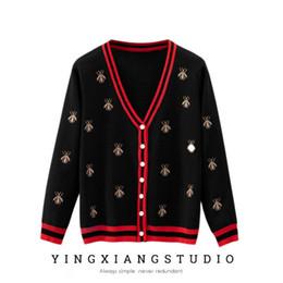 2019 camisola de inseto Autumn New Womens Sweater Cardigan Casual Fashion Designer Insect Bordados Striped Pescoço V Sweater Vestuário Brasão camisola de inseto barato