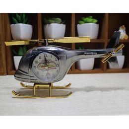 modelos de mesa Desconto Decoração de casa de Alarme Criativo Coffee Shop Helicóptero Modelo Relógios de Mesa Decoração Retro Aleatória Padrão Face do Relógio Enviar Despertadores BH0811 TQQ