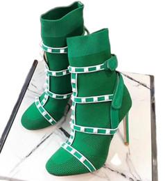 2019 botas de malha sapatos Mulheres Tornozelo Botas Sock Studs Bota Sapatos de Grife De Couro Trimmed Trecho Malha Meia Botas de Inverno de Salto Alto Austrália com Caixa desconto botas de malha sapatos