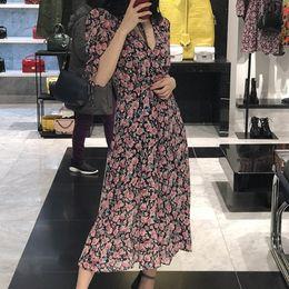 2019 sexy vestidos de talla mediana más largos 2019 Nuevas Mujeres Estampado de Flores Línea Dorada Vestido Largo Media Manga Puff Cuello En V Vestido de Midi de Gasa de Verano Con Cinturón SH190706