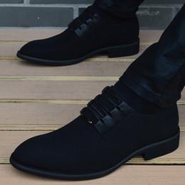 nouveau habiller les hommes Promotion 2018 nouveau printemps hommes chaussures de haute qualité à bout pointu chaussures habillées respirant noir à lacets hommes d'affaires décontracté Zapatos Hombre
