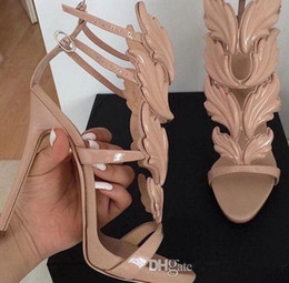 Hot Sale y Angel Wings Black Nude Thin High Heels Sandals Gladiator Rome Wedge Women Golden Leaf Leather Pumps Sandals Shoes